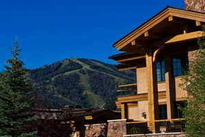 "Thunder Spring Luxury ""Condo-Home"" Rentals :: Located close to everything, these ""condo-homes"" are the most luxurious in the Sun Valley area. On-property day spa ""Zenergy"" is voted in the Top 10 Athletic Clubs in the US."