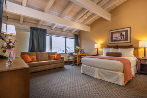 Tamarack Lodge - 2 room family suite, save 20%