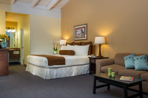 Tamarack Lodge | Deluxe & Luxury Rooms, Save 30%